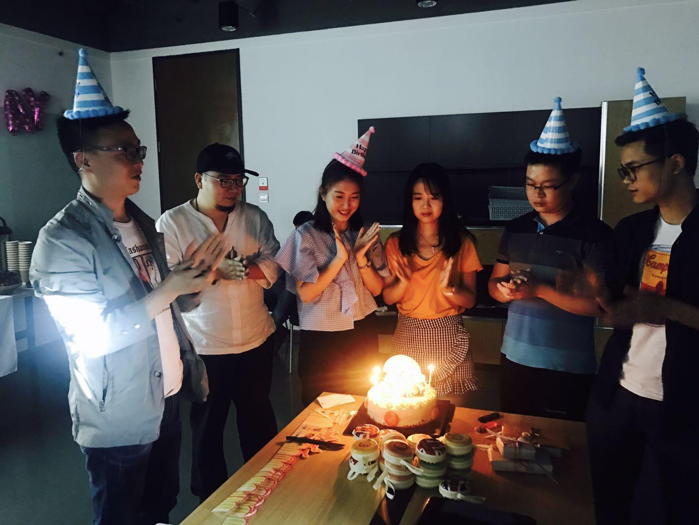 驹马10月生日party:7位葫芦娃上线啦!